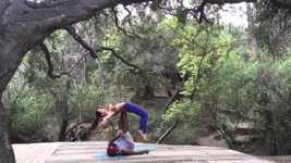 Picture of AcroYoga Flow - Pickpocket + Turntable